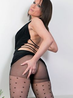 Luci Love masturbates in her sexy fancy pantyhose