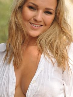 Blonde big titted babe Jodie Gasson posing outdoor