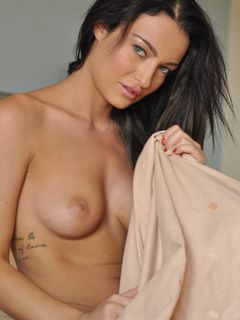 Beauty long haired Kayleigh Williams poses naked
