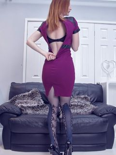 Redhead babe Zara DuRose spreads in black tights