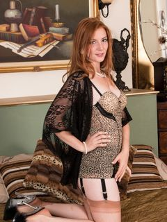 Redhead Jessica Rose teasing in her vintage nylons