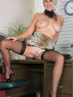 Secretary Lu Elissa spreads her cunt on the table
