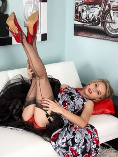 Blonde beauty Chloe Toy spreads in black nylons